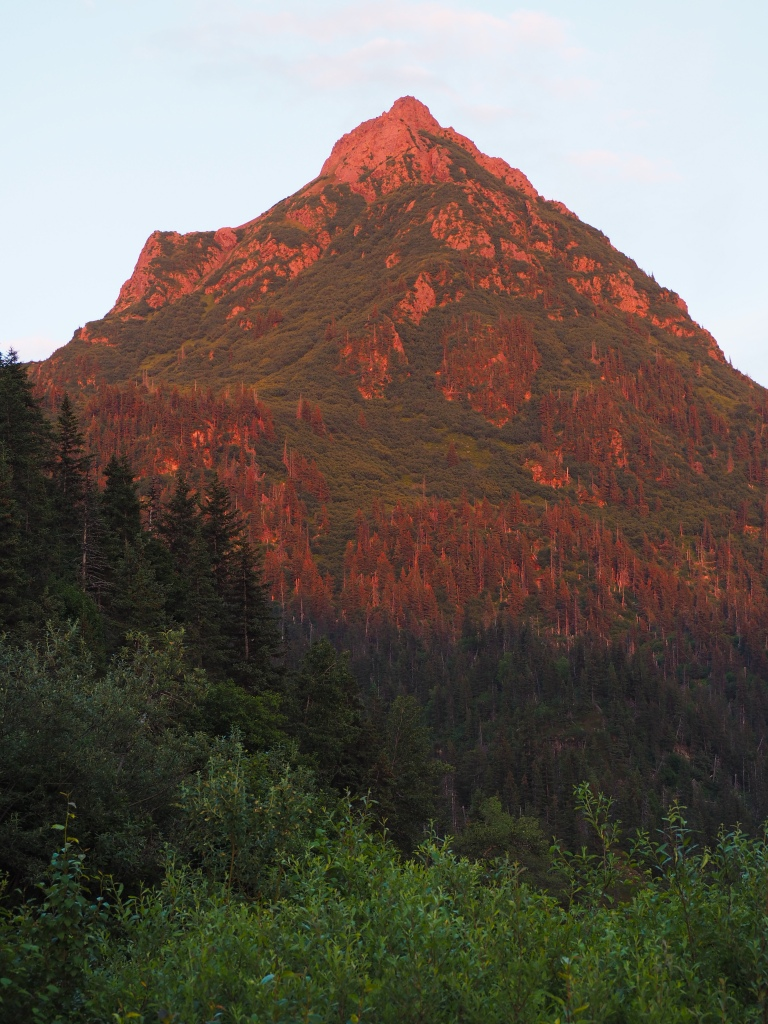 Alpenglow on China Poot Peak